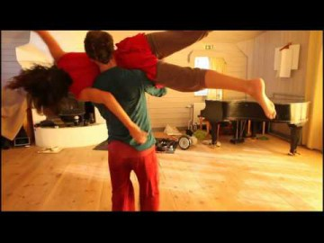 Contact Improvisation - Moments of practice, with Irene Sposetti & Johan Nilsson